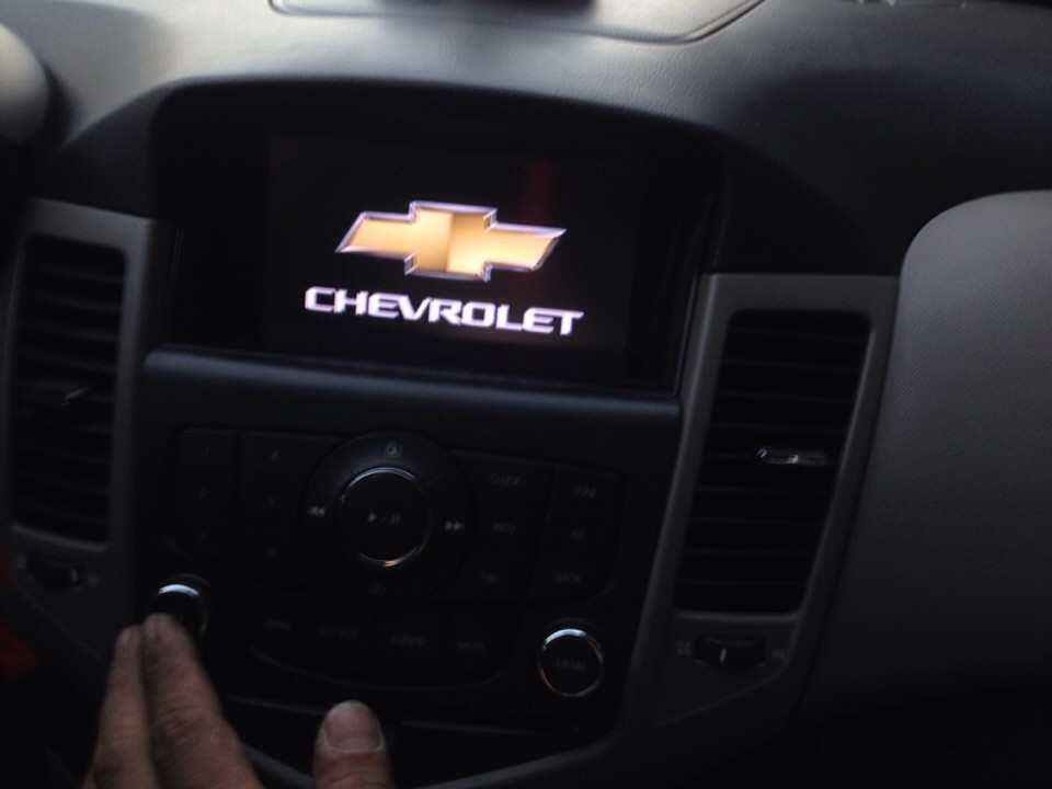 Màn hình dvd Theo xe chevronet Cruze 2011-2017