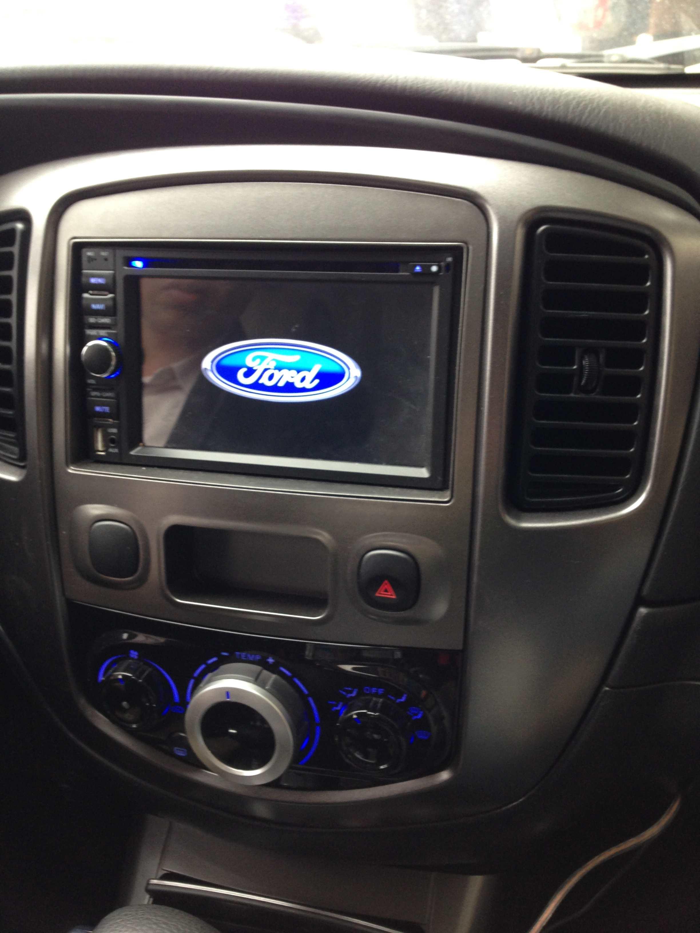 Màn hình dvd theo xe Ford ESCAPE