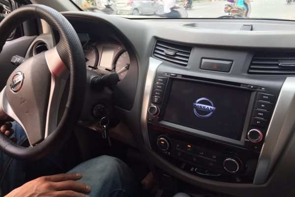Màn hình dvd theo xe Nissan Navara 2015-2017
