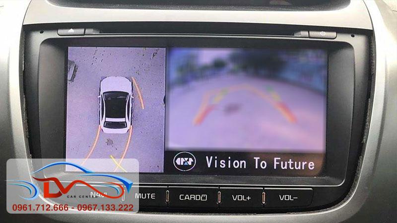 Camera lùi ô tô bị mờ vì nguyên nhân gì?