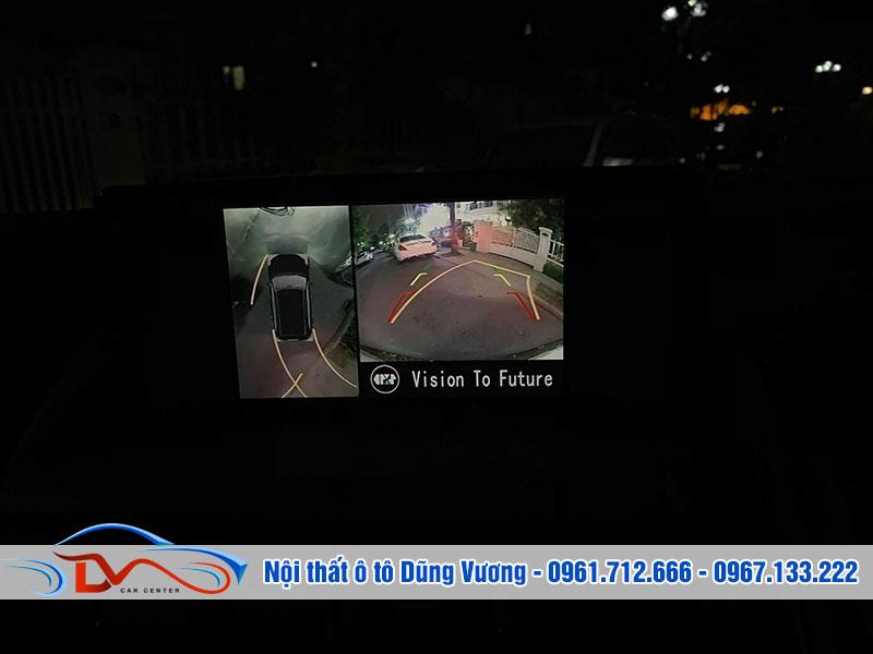 Có camera 360 giúp bạn lùi xe an toàn