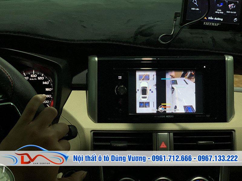 Camera 360 giúp bạn quan sát toàn bộ điểm mù xung quanh xe