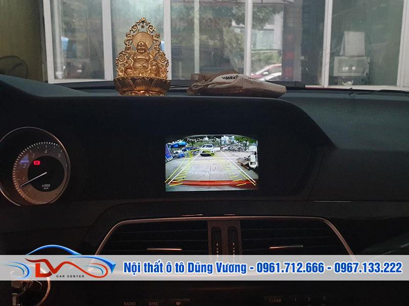 Camera hỗ trợ người điều khiển xe nhiều tiện ích
