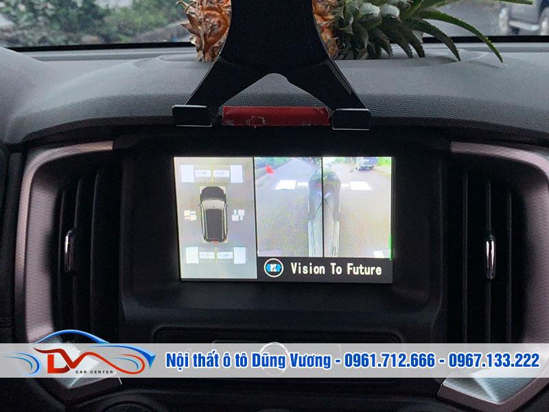 Camera giúp người điều khiển xe quan sát được mọi điểm mù