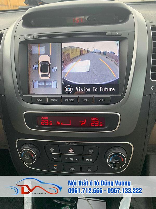 Camera giúp người điều khiển xe quan sát toàn bộ không gian xung quanh
