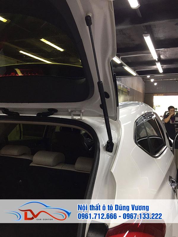 Cốp điện xe bao gồm hệ thống các bộ phận lắp đặt hiện đại
