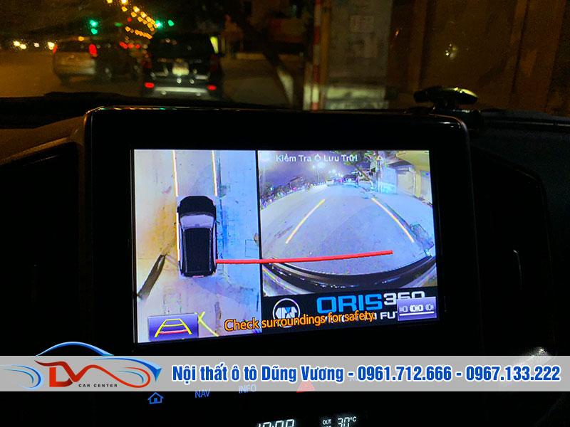 Hình ảnh từ 4 mắt camera sẽ được xử lý trước khi chiếu trên màn hình