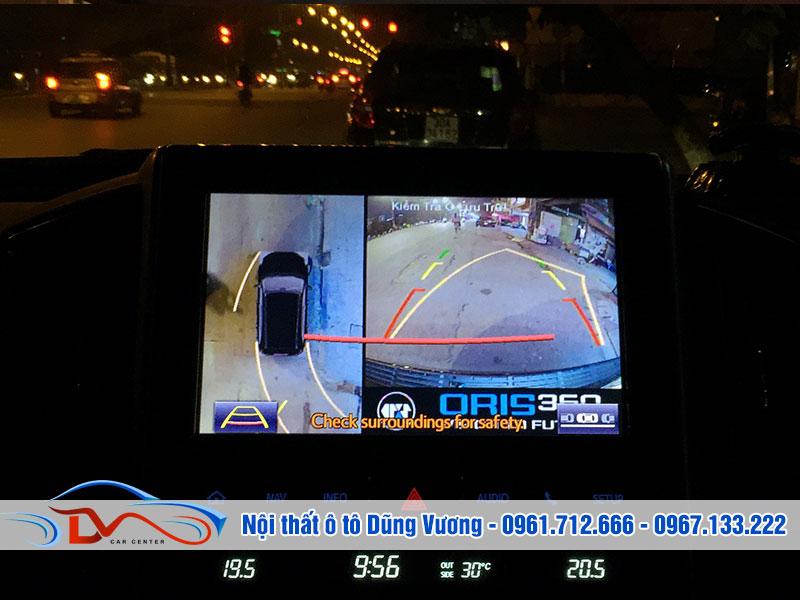 Camera hỗ trợ lái xe theo vạch chuyển hướng nên luôn đảm bảo an toàn