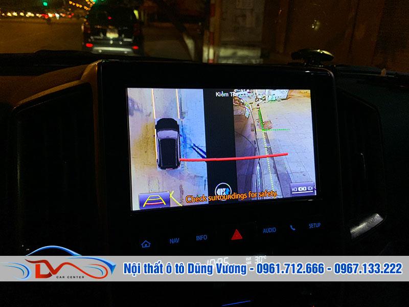 Camera hỗ trợ hiển thị toàn cảnh quanh xe