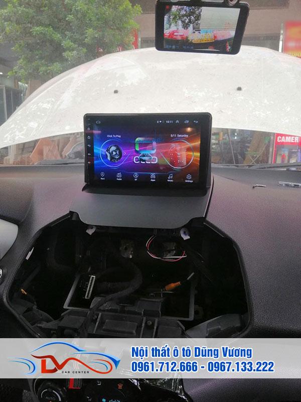 Màn hình DVD trên xe ô tô là phương tiện giải trí tiện ích