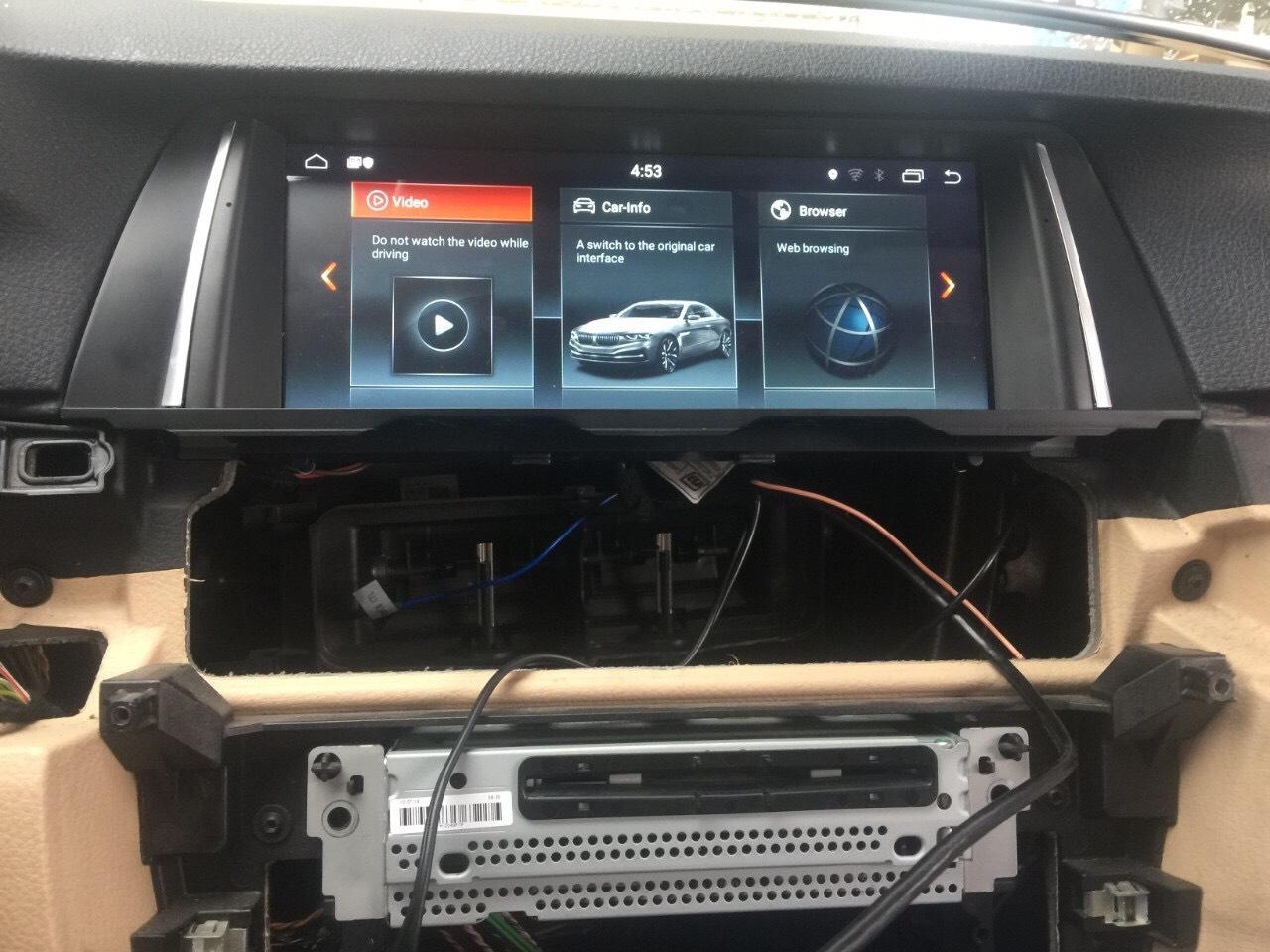 Lắp đặt màn hình không gây ảnh hưởng đến kết cấu xe