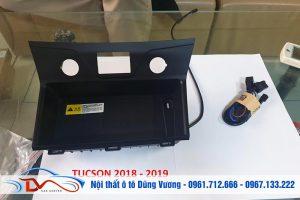 Sạc điện thoại không dây lắp trên Ô tô Hyundai Tucson 2018-2019