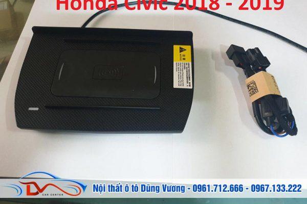 Sạc điện thoại không dây lắp trên xe Honda Civic 2018-2019