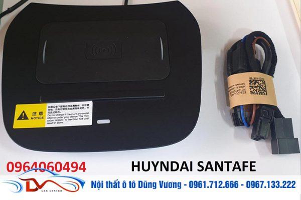 Sạc điện thoại không dây lắp trên xe Hyundai Santa Fe