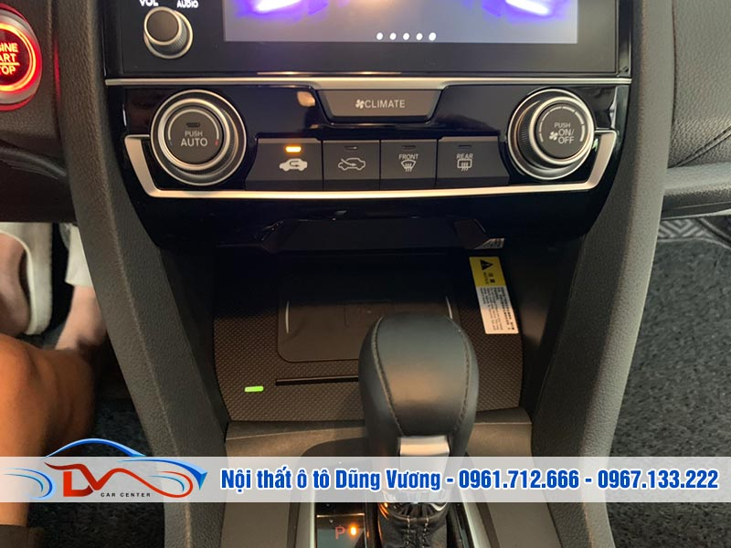 Sạc điện thoại không dây cho xe Honda Civic 2019 có nhiều ưu điểm vượt trội trong thiết kế