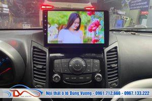 Màn hình DVD ô tô chạy hệ điều hành Android