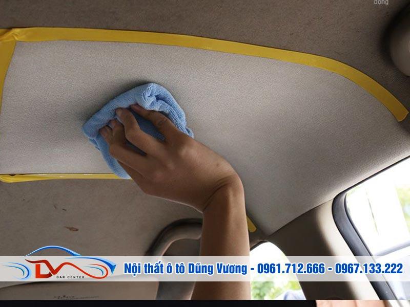 vệ sinh phần trần ô tô
